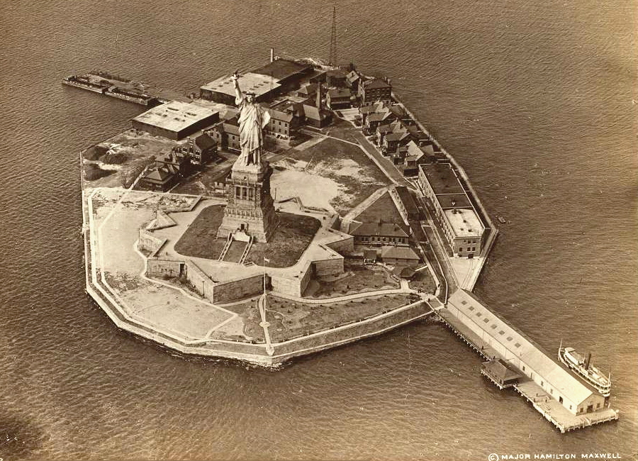 Bedloe 39 s island statue of liberty fort wood unknowndate for How to make a fort out of wood